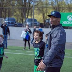 6da81cce092 Russell at his passing academy in Seattle.  RWPA  📸   rwpassacademy