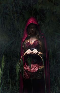 My take on Red Riding Hood - Surreal Fine Art photography Red Riding Hood Wolf, Little Red Ridding Hood, Beautiful Dark Art, Shooting Photo, Dark Photography, Red Hood, Art Graphique, Mode Vintage, Lady In Red
