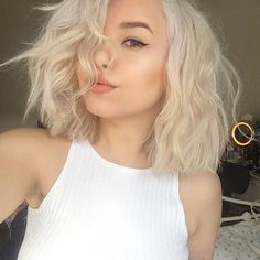 Best Platinum Blonde Hair Color and Highlights for 2019 Platinum Blonde Hair Color, Platinum Bob, Platinum Wigs, Blonde Color, Hair Colour, Short Hair Cuts For Women, Short Cuts, Grunge Hair, Gorgeous Hair