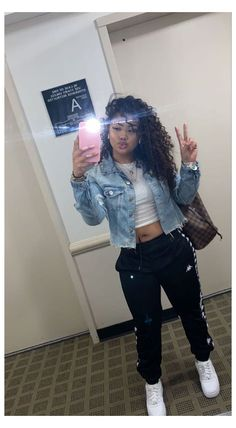 Swag Outfits For Girls, Cute Outfits For School, Teenage Girl Outfits, Chill Outfits, Cute Swag Outfits, Cute Comfy Outfits, Teen Fashion Outfits, Mode Outfits, Simple Outfits