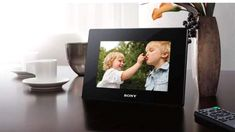 5 Factors to Consider When Buying a Digital Picture Frame : Ultimate Digital Photo Frame Buying Guide