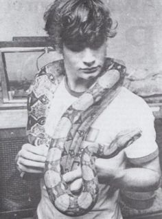 ummm i am just ganna pretend that he isn't 16 in this photo . does it make it better that i was like negative 7 at the time? nope nope nope, i am gross Get In The Van by Henry Rollins, Henry Rollins, Young Henrys, Punk Boy, 80s Punk, Magnificent Beasts, Rock News, Music Photo, Beautiful Mind, Concert Posters