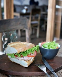 #Bali > Roast Beef French Baguette Sandwich at @LePetitPrinceCanggu. Sirloin beef slices with tomato green salad and homemade mayonnaise (65k)