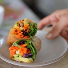 how to make healthy and delicious summer rolls Cookbook Recipes, My Recipes, Holiday Recipes, Dinner Recipes, Favorite Recipes, Paleo Sushi, Budget Meals, Budget Recipes, Pamela Salzman