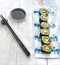 A new spin on sushi, that brings quinoa into the mix. Packed with protein, and loaded with fruits and veggies, this is one healthy quinoa sushi roll!