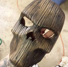 that's cool wood mask! yay or nay? Wood Carving Art, Wood Art, Tree Carving, Abstract Sculpture, Wood Sculpture, Skull Mask, Masks Art, Whittling, Mask Design