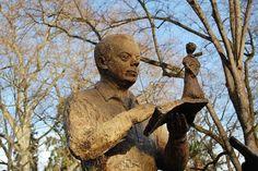 Saint-Exupéry et le Petit Prince au Jardin royal à Toulouse (sculpture de Madeleine Tézenas)