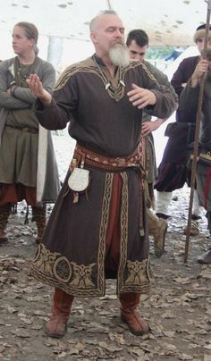 Viking male outfit- I like the split front tunic with trousers underneath