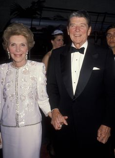 Nancy Reagan, wife of former President Ronald Reagan, died from congestive heart failure Sunday. Greatest Presidents, American Presidents, Us Presidents, American History, 40th President, President Ronald Reagan, Nancy Reagan, American First Ladies, African American Women