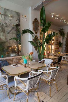 Coffee Shop Interior Design, Restaurant Interior Design, Cafe Design, Restaurant Exterior, Outdoor Restaurant, Farm Cafe, Cafe Bar, Coffee House Interiors, Bar A Vin