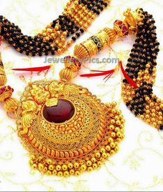 Latest Indian Jewellery designs and catalogues in gold diamond and precious stones Indian Jewellery Design, Indian Jewelry, Jewelry Design, Mangalsutra Design, Jewelery, Crochet Earrings, Chain, Diamond, Gold