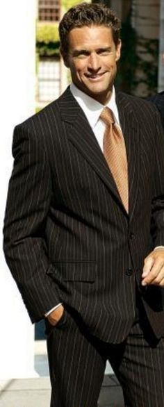 e7186feb7a94e SKU   WCE911 Hombres 2 Botón de Marrón con suave tela a rayas 100% trajes de  lana