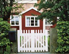 Nordsjö One super tech. En färg som håller i 16 år. Måla ditt hus i rött, staket. Måla ditt hus, inspiration för utomhusfärg. Fasadfärg, Nordsjö. Stuvbutiken. Hus inspiration