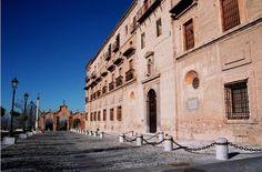 Fachada de la Abadía del Sacromonte