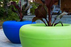 Scoop planter is made of polyethylen plastic by  – Manga Street a street furniture manufacturer Pot á fleur - Polyéthylène  - Manga Street - Fabricant de mobilier urbain Fabricant, Public Spaces, Manga, Bean Bag Chair, Planter Pots, Furniture, Street, Design, Home Decor