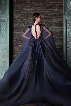 21 Breathtaking Couture Gowns Fit For An Ice Queen Now imagine that in wedding-white, and don't be a toole!