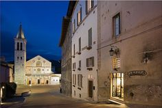 Spoleto - Umbria - Italy  www.cottageandbeach.net