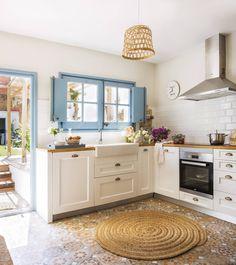 C'est maintenant la plus jolie maison du village Kitchen Interior, Home Interior Design, Kitchen Decor, Kitchen Ideas, Cosy Kitchen, Country House Interior, Country Style Homes, Style At Home, Küchen Design