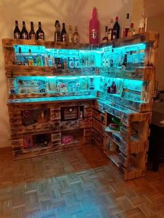 How to make a DIY Pallet Bar? - Is it your friend's birthday or some big event coming up in few days? If yes and you wanted to surprise him then making a DIY pallet bar is a great . Diy Pallet Furniture, Diy Pallet Projects, Home Projects, Woodworking Projects, Refurbishing Furniture, Wood Pallet Bar, Wood Pallets, Wood Wood, Home Bar Designs