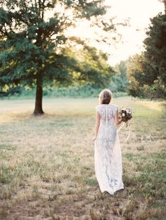 Delicate Outdoor Bridal Portraits//Once Wed//Styling by Wit Weddings//Amelia Johnson Photography//Rue de Seine bridal gown//Sidra Forman Flowers