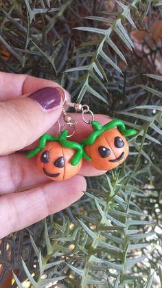 #polymerclay #pumpkins #halloween Orecchini in fimo zucche handmade kawaii idee regalo halloween