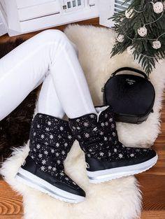 Teplé čierne snehule ozdobené vločkami JB13-1C Outfit, Boots, Winter, Fashion, Outfits, Crotch Boots, Winter Time, Moda, Fashion Styles
