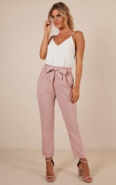 One The Edge Pants In Blush Produced - Christmas-Desserts Casual Summer Dresses, Casual Outfits, Cute Outfits, Occasion Dresses Uk, Blush Outfit, Look Fashion, Fashion Outfits, Dresses Near Me, Dressy Pants