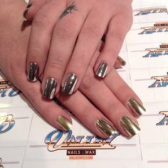 Perfect metallic manicure for the holidays.