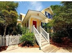 Seaside Fl.... Seaside Florida, Santa Rosa Beach, Beach Vacation Rentals, Exterior Paint Colors, Close To Home, Ideal Home, Beach House, House Plans, Home And Garden