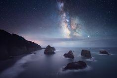 Oregon Coast, Oregon, United States (by Michael Shainblum) Under The Stars, Oregon Coast, Niagara Falls, Northern Lights, United States, The Unit, Nature, Travel, Science