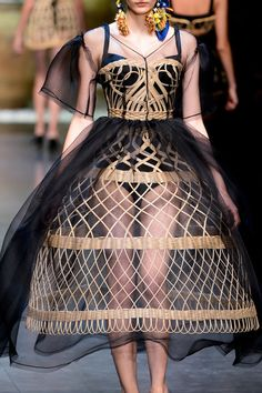 3. Dolce & Gabbana Spring 2013: the skirt of this dress is a modern take on the Spanish device called the Verdugale or Spanish Farthingale, with its cone-shaped skirt understructure that increases in size starting from the waist reaching to the floor