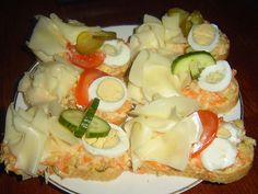 Czech Recipes, Cobb Salad, Snacks, Food, New Years Eve, Chef Recipes, Cooking, Appetizers, Essen