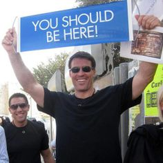 Look who's enjoying our global travel club too. do you recognize Tony Robbins? Tony Robbins Quotes, Hotel Packages, My Face Book, Beautiful Places To Visit, Travel Goals, Business Travel, Arm, Club, Lifestyle