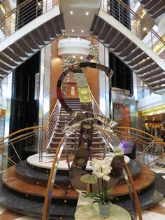 Regent Seven Seas Cruises - Seven Seas Voyager - Atrium. For more information please click here http://www.cruiseselect.co.uk/cruise-lines/regent-seven-seas/seven-seas-voyager/