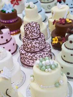 Mini Cake ideas, love these. instead of having cup cakes you can give everyone there own little cake.