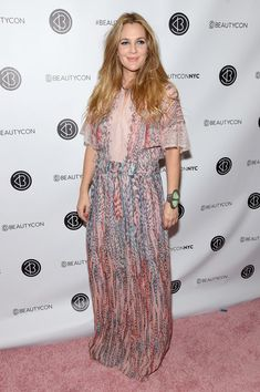 Drew Barrymore Photos Photos - Drew Barrymore attends the 3rd Annual Beautycon Festival New York at Pier 36 on October 1, 2016 in New York City. - 3rd Annual Beautycon Festival New York