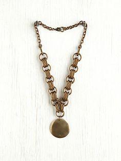 Heavy Chain Medallion