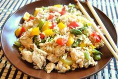 Smażony Ryż Z Warzywami Aga, Diy Food, Pasta Salad, Potato Salad, Healthy Recipes, Healthy Food, Curry, Rice, Tasty