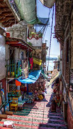 Janitzio in Michoacán, Mexico • photo: Anwar Vazquez on Flickr