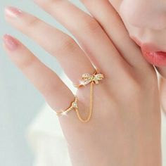Latest fashion jewelry design of gems-stone. Gold Jewelry Simple, Gold Rings Jewelry, Hand Jewelry, Stylish Jewelry, Cute Jewelry, Silver Jewellery, Fancy Jewellery, Gold Jewellery Design, Fashion Rings