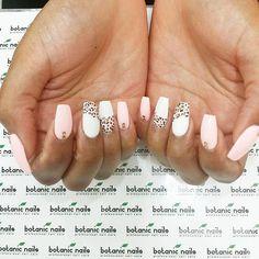@botanicnails I like to treat myself and it's always a treat at botanic nails with Destiny. Thank you!!! #nailedit