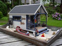 Margriet's Miniatures: beach cabin
