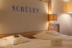 Die Zimmer im Schüle's bieten viel Raum zum Wohlfühlen und sind gleichermaßen stilvoll und gemütlich eingerichtet.