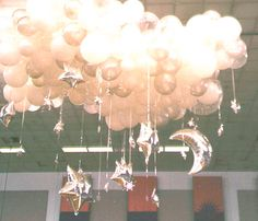 1000 images about stars abound theme on pinterest star for Balloon cloud decoration