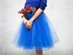DIY-Anleitung: Royalblauen Tüllrock mit Schleifenverschluss nähen via DaWanda.com