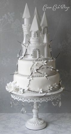 Top your beautiful cake with these Styrofoam Castles. Each castle comes preassembled and is very light weight. Easily airbrush, pipe on with buttercream, or color with a marker to add detail. Make bea