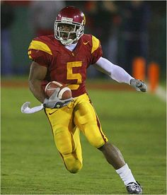 Reggie Bush in my opinion is one of the top five greatest college football players ever. Every time he touched the ball it was a touchdown. Oklahoma Sooners Football, College Football Players, Football And Basketball, College Basketball, Football Season, Football Helmets, Football Fight, Football University, Football Pics
