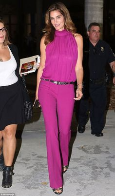 Cindy Crawford, shows off her svelte shape in vivid pink outfit : Bold: The wore a fuchsia blouse and flared trousers with a silver belt and matching heels Classy Outfits, Chic Outfits, Spring Outfits, Cindy Crawford, Mode Hijab, Chic Dress, Look Fashion, Celebrity Style, Ideias Fashion