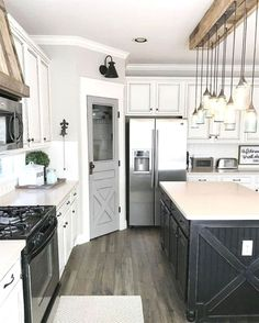 Farmhouse Kitchen Cabinets Decorating Ideas On A Budget (43) #kitchenremodels  #KitchenRemodeling
