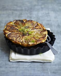Recipe tatin of fennel and parmesan – Kitchen / Madame Figaro Fennel Recipes, Veg Recipes, Great Recipes, Cooking Recipes, No Cook Meals, Food Videos, Food Inspiration, Food Porn, Food And Drink